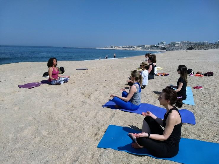 Vila do Conde beach yoga